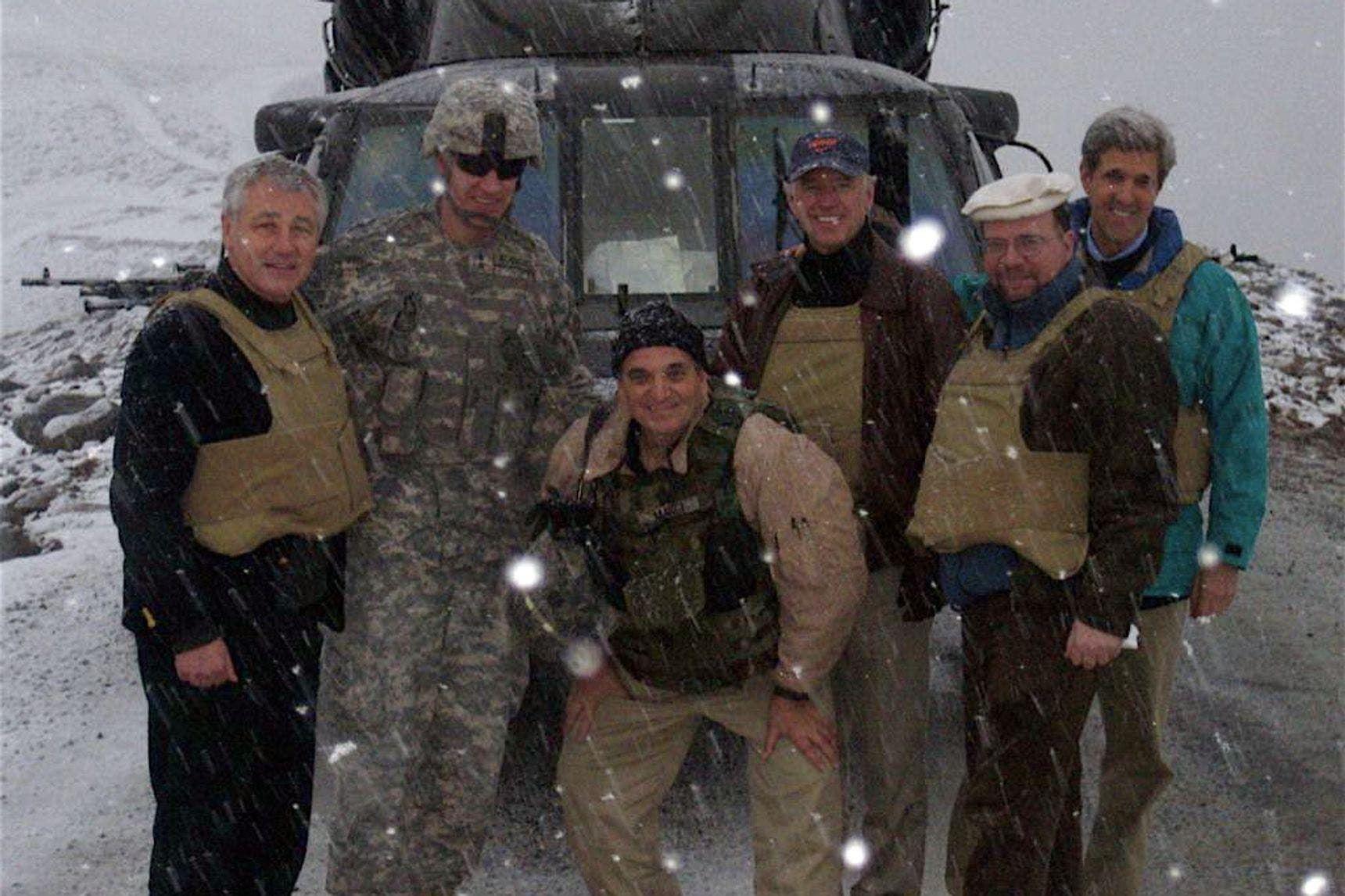 أفغاني أنقذ بايدن منذ 13 عامًا.. وواشنطن ترد الجميل!