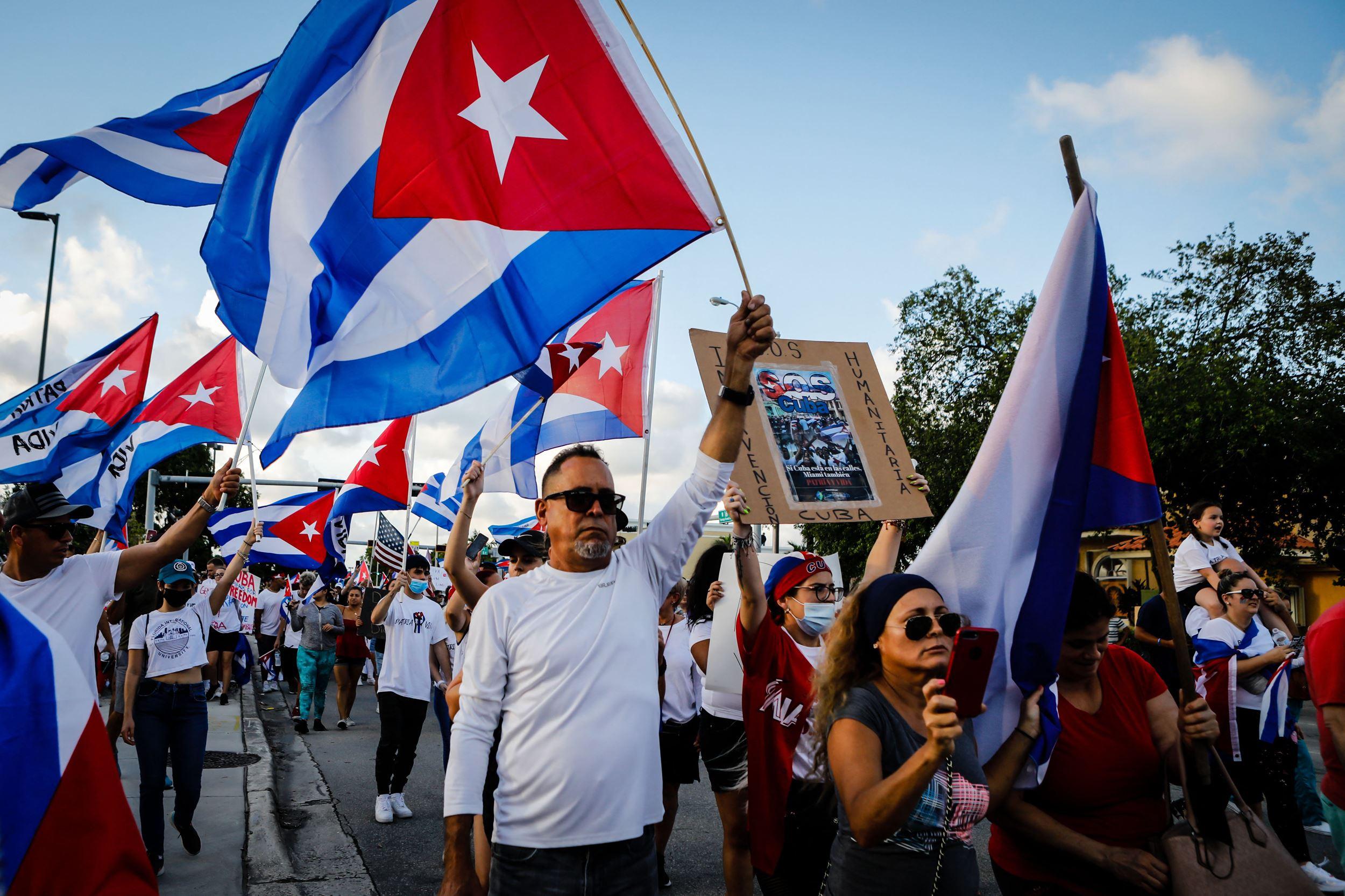 المعارضة الكوبية تعود الى الشارع.. هل تتهاوى احدى قلاع الشيوعية؟