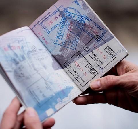 ماذا تفعل إذا فقدت جواز سفرك خارج بلدك؟